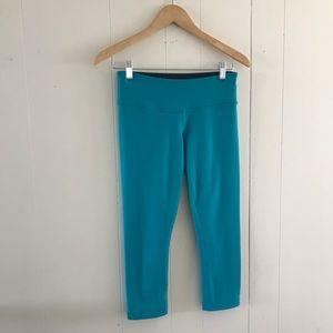 lululemon athletica Pants - Lululemon reversible wunder under crop / capris